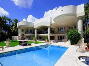 hollywood villa